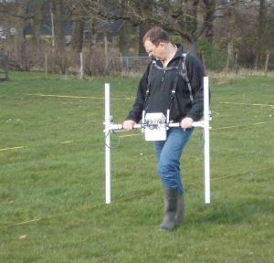 Uitvoeren van geofysisch onderzoek met behulp van magnetometer